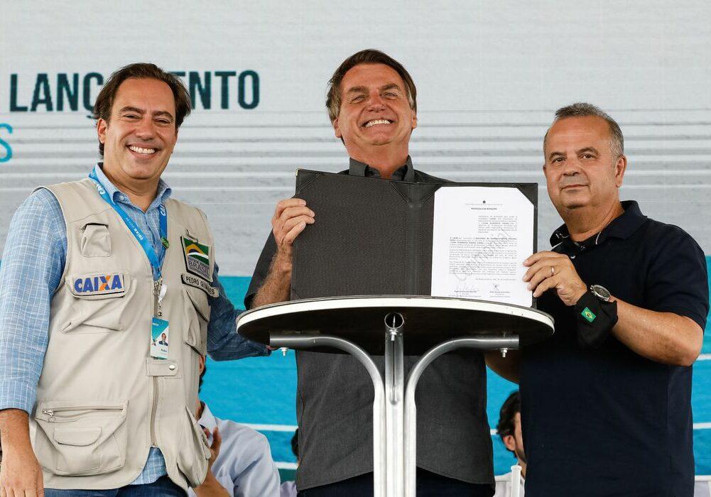 (São Roque de Minas - MG, 18/10/2021) Assinatura de protocolo de intenções entre o Ministério do Desenvolvimento Regional e a Caixa, para revitalização de Bacias Hidrográficas .  Foto: Alan Santos/PR