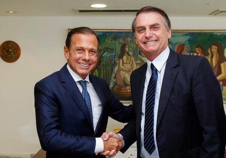 João Dória cumprimenta Bolsonaro