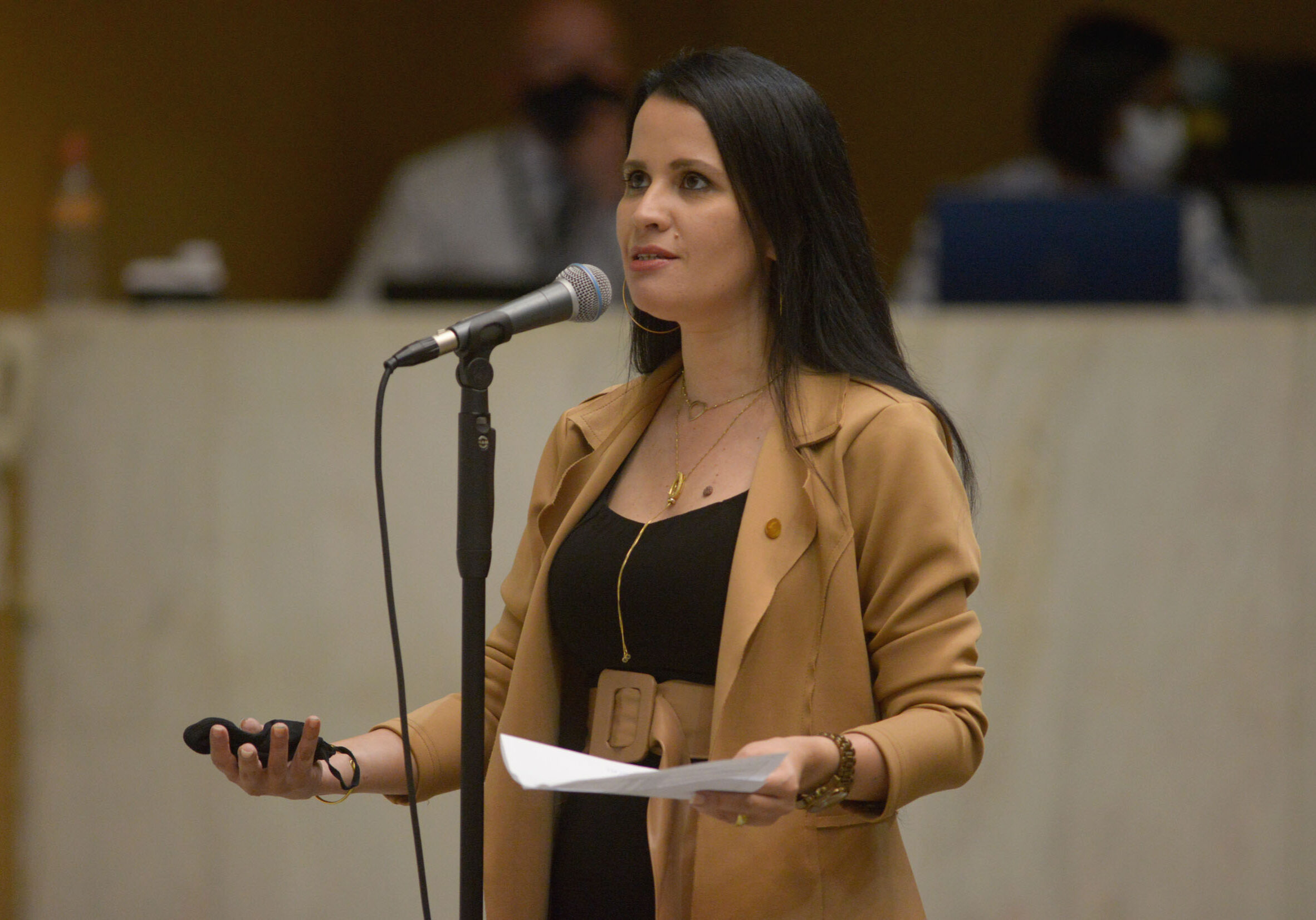 Letícia Aguiar 111021